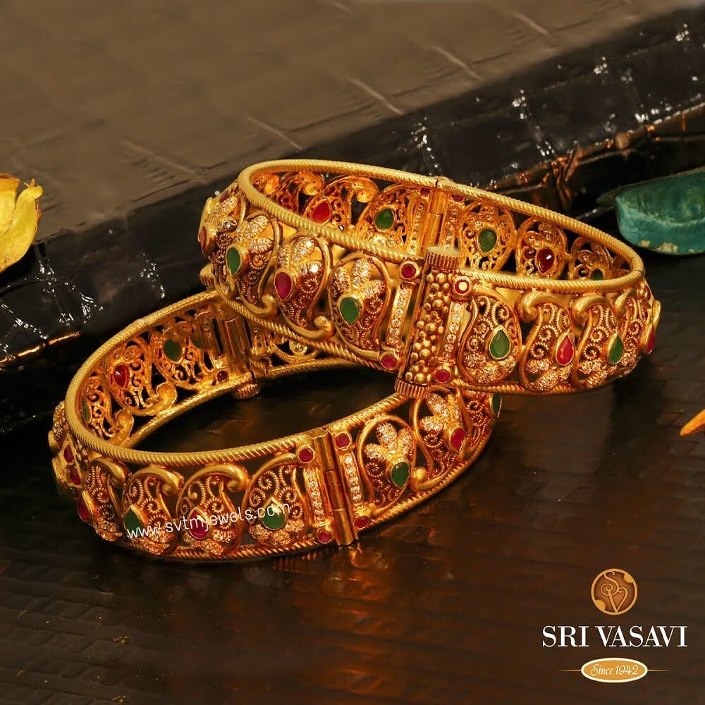gold-antique-bangles-designs-1