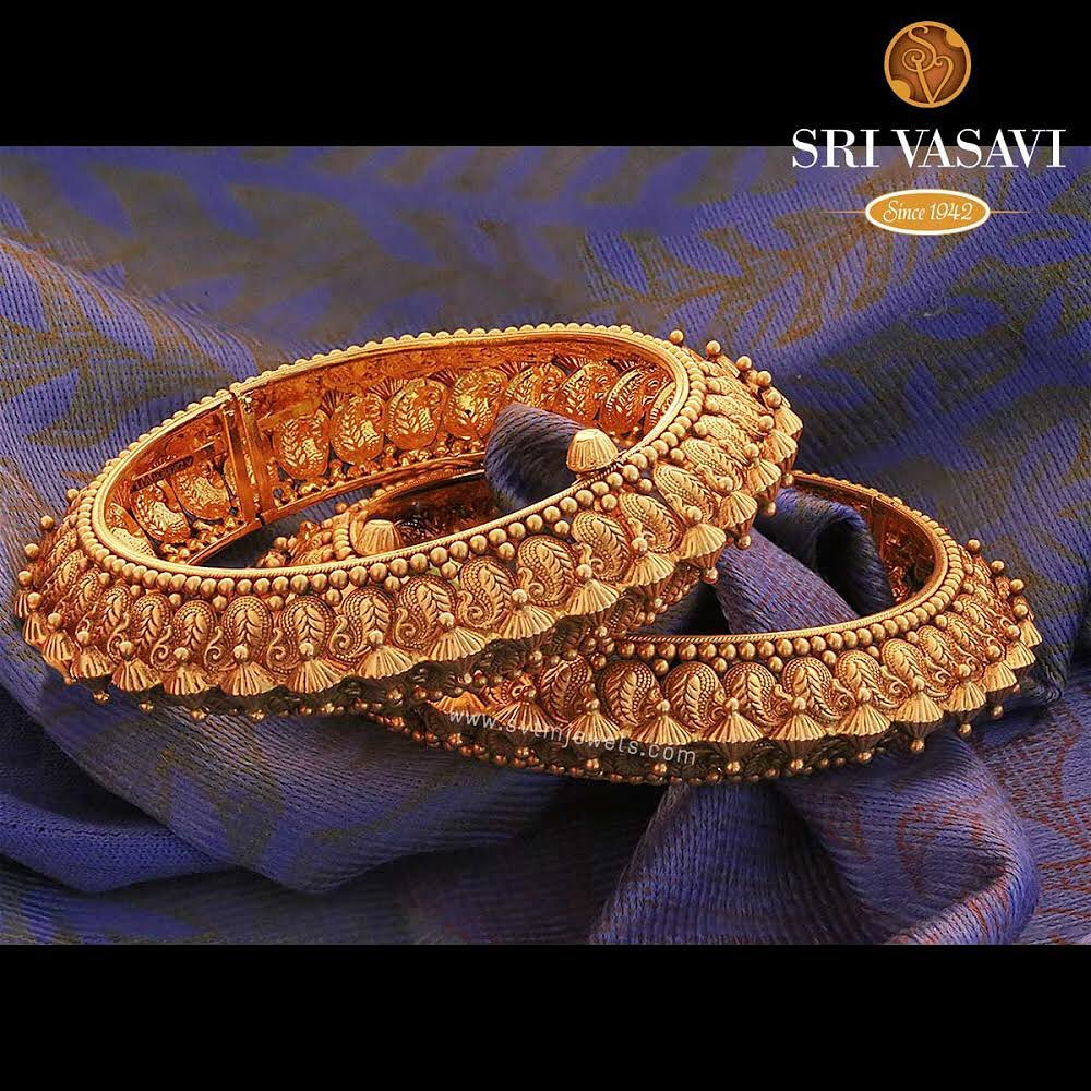 gold-antique-bangles-designs-11