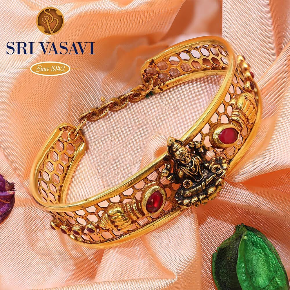 gold-antique-bangles-designs-14