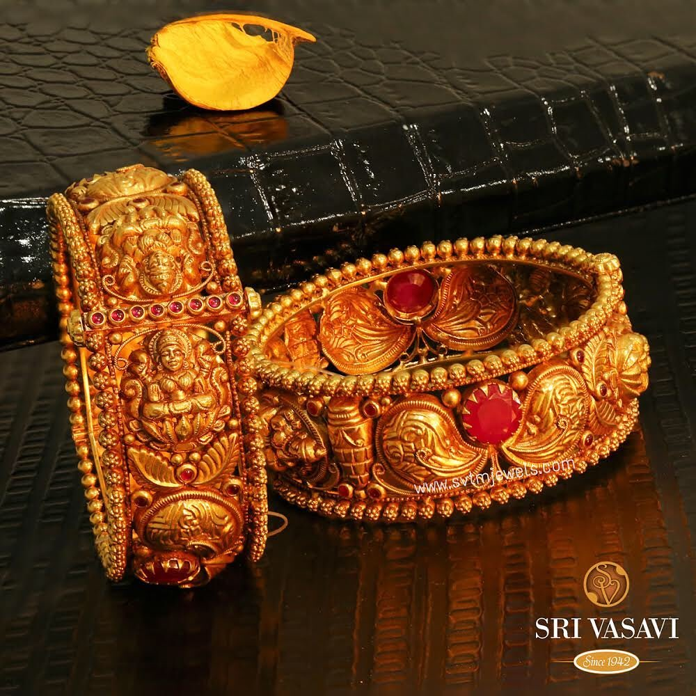 gold-antique-bangles-designs-2