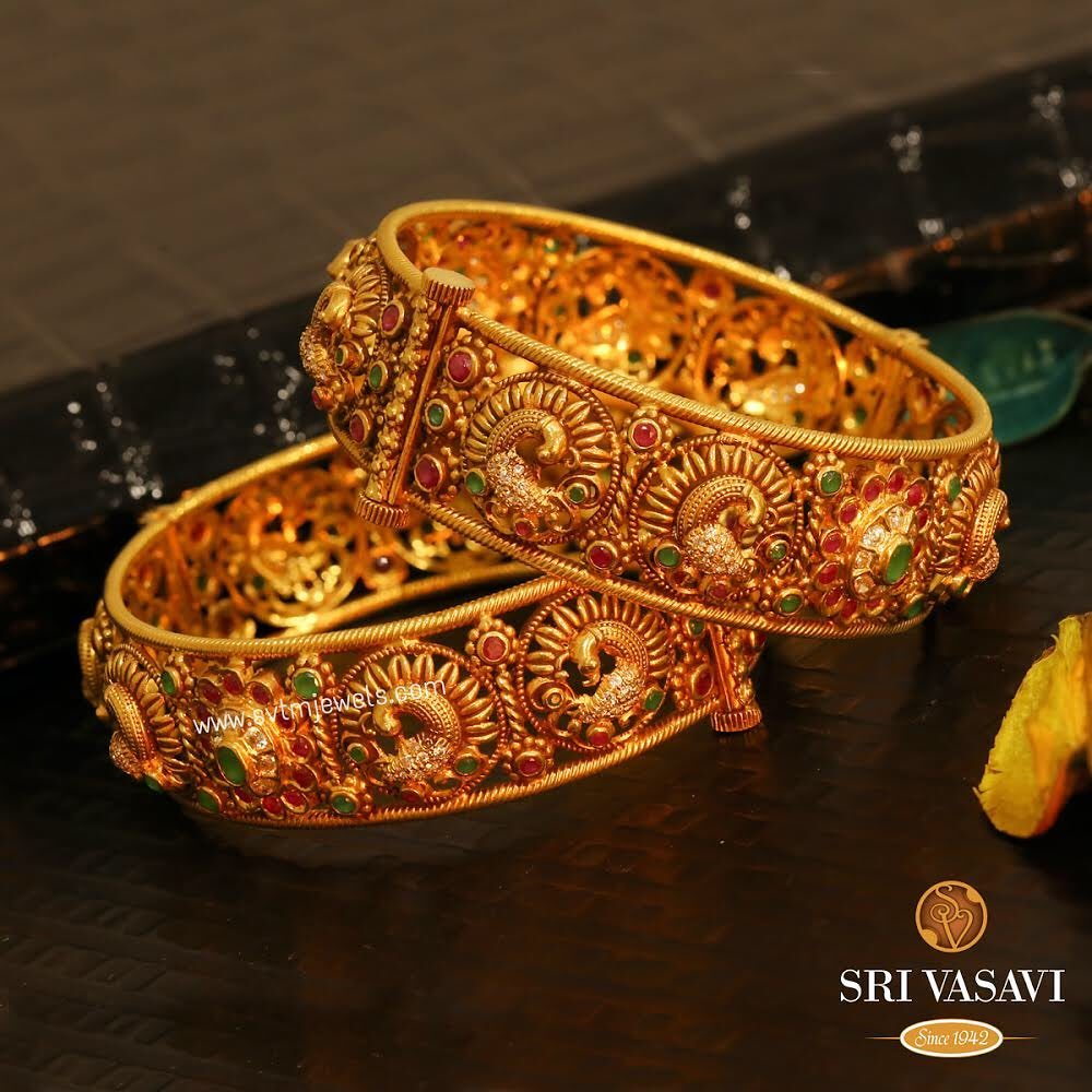 gold-antique-bangles-designs-3