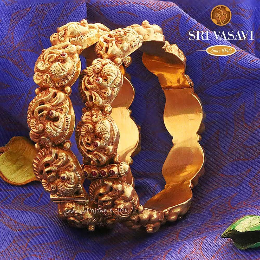 gold-antique-bangles-designs-4
