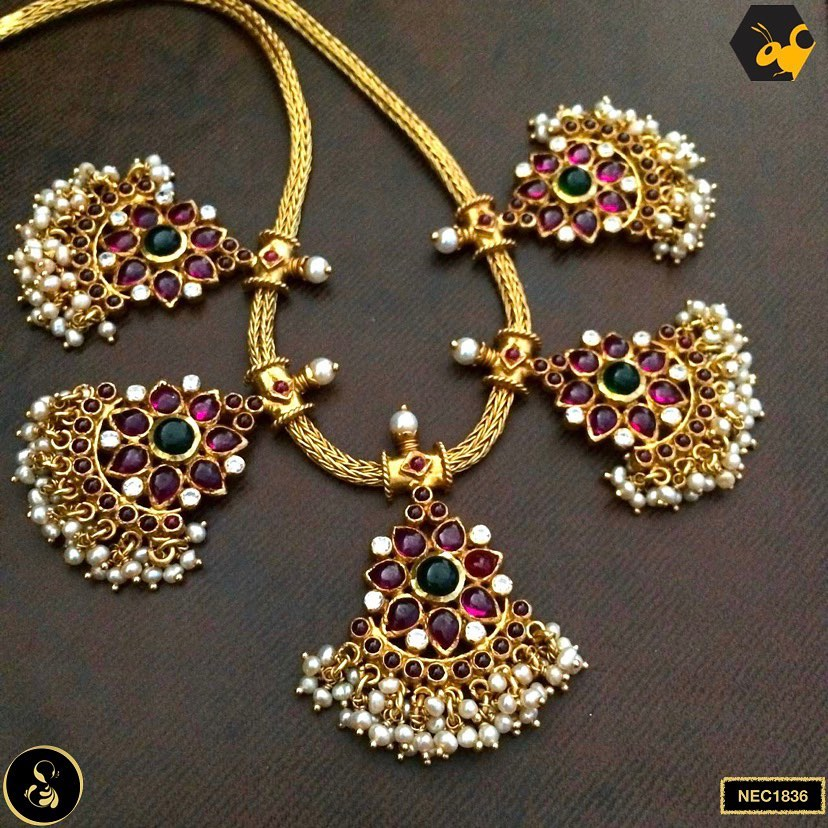 gold-plated-necklace-set-3