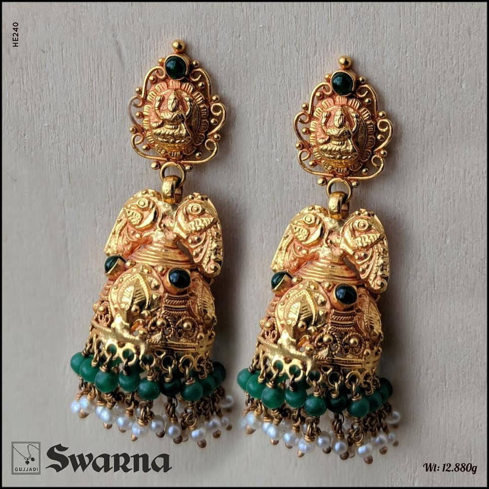 antique-gold-jhumka-designs-1