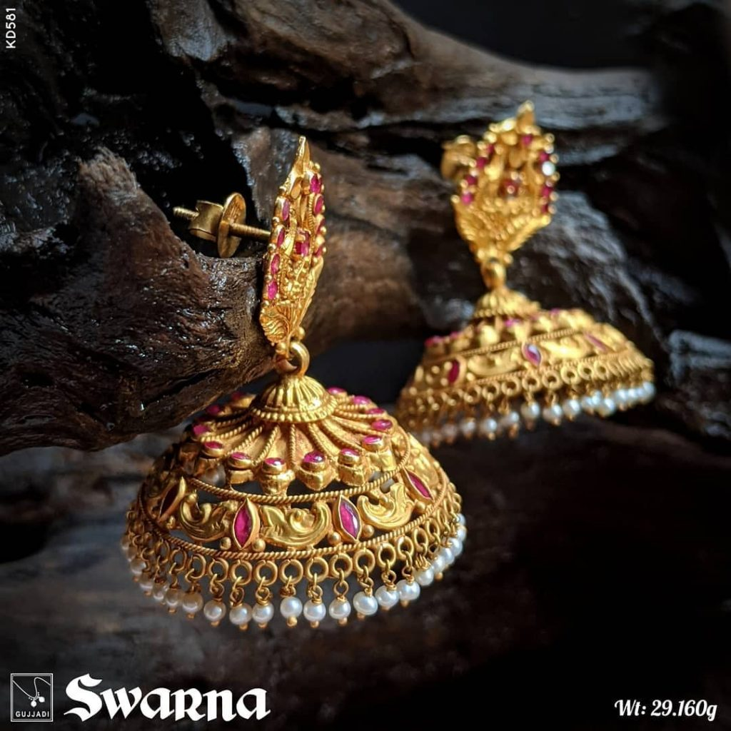 antique-gold-jhumka-designs-11