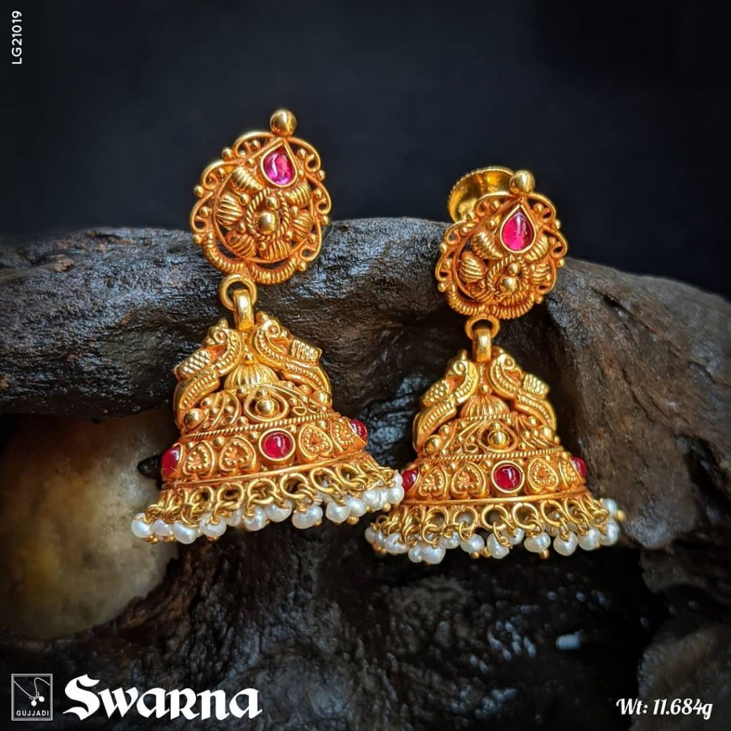 antique-gold-jhumka-designs-12
