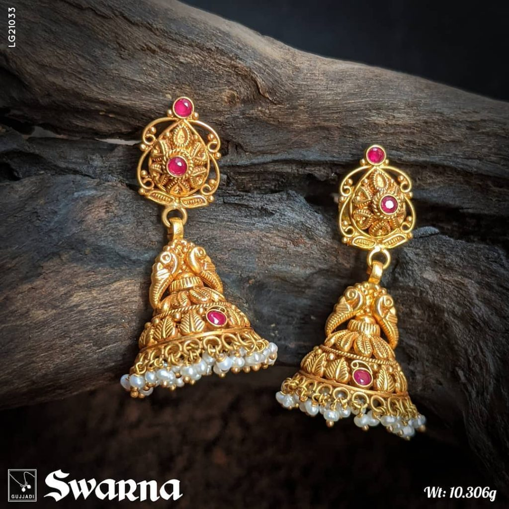 antique-gold-jhumka-designs-14