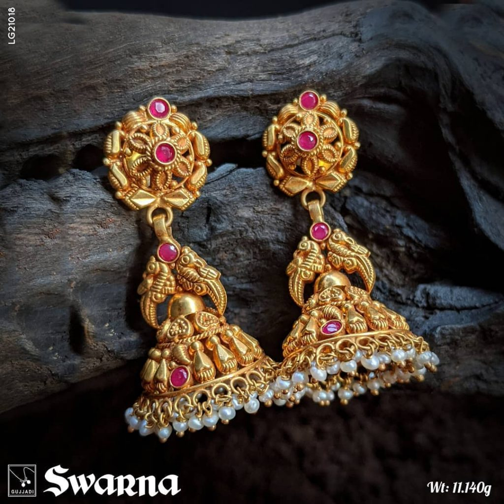 antique-gold-jhumka-designs-15