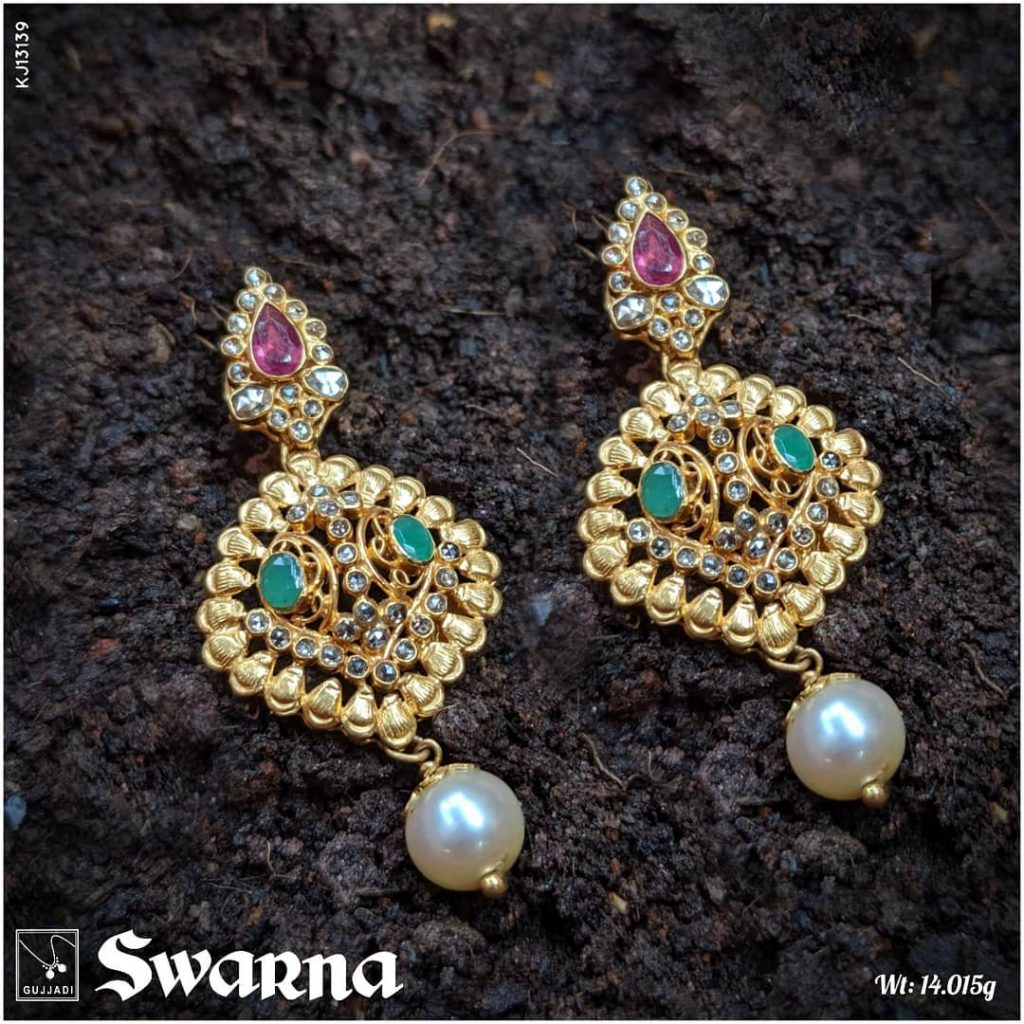 antique-gold-jhumka-designs-3