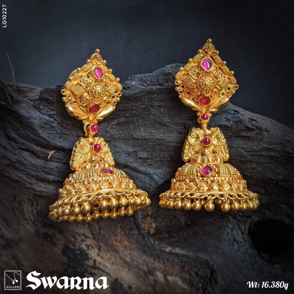 antique-gold-jhumka-designs-6