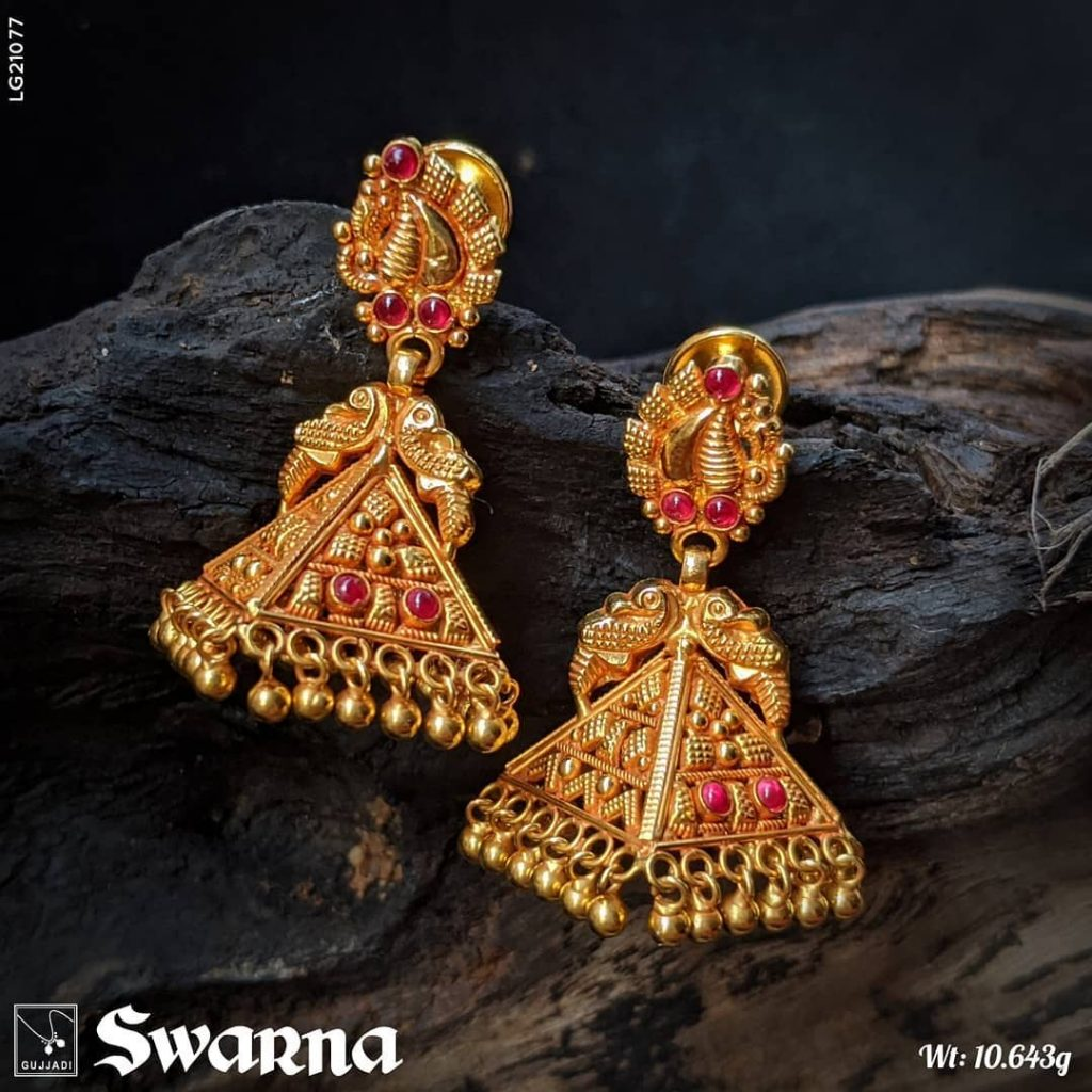 antique-gold-jhumka-designs-7