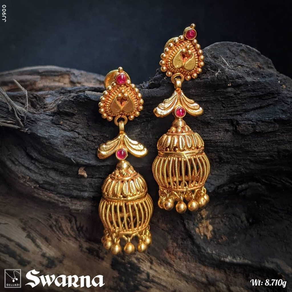 antique-gold-jhumka-designs-9