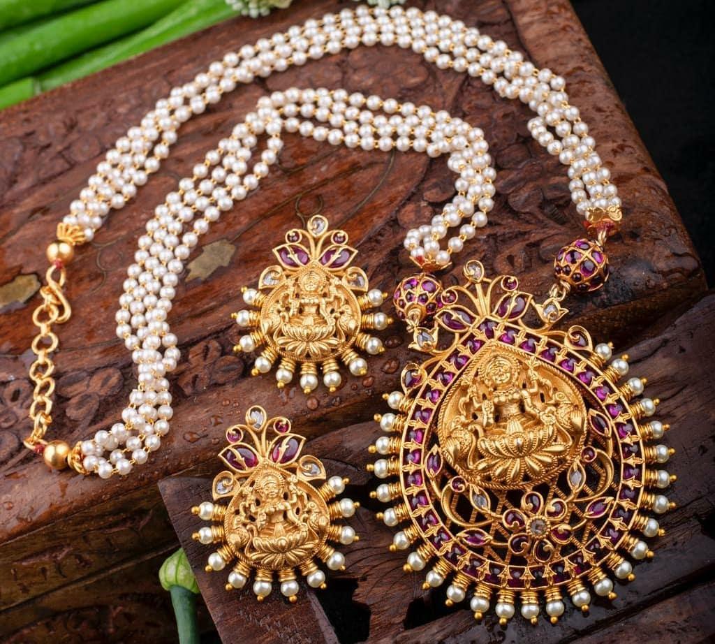 antique-lakshmi-necklace-designs-1