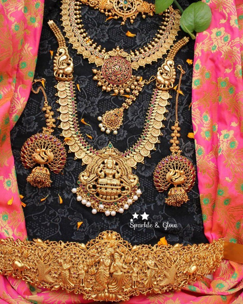 antique-lakshmi-necklace-designs-15