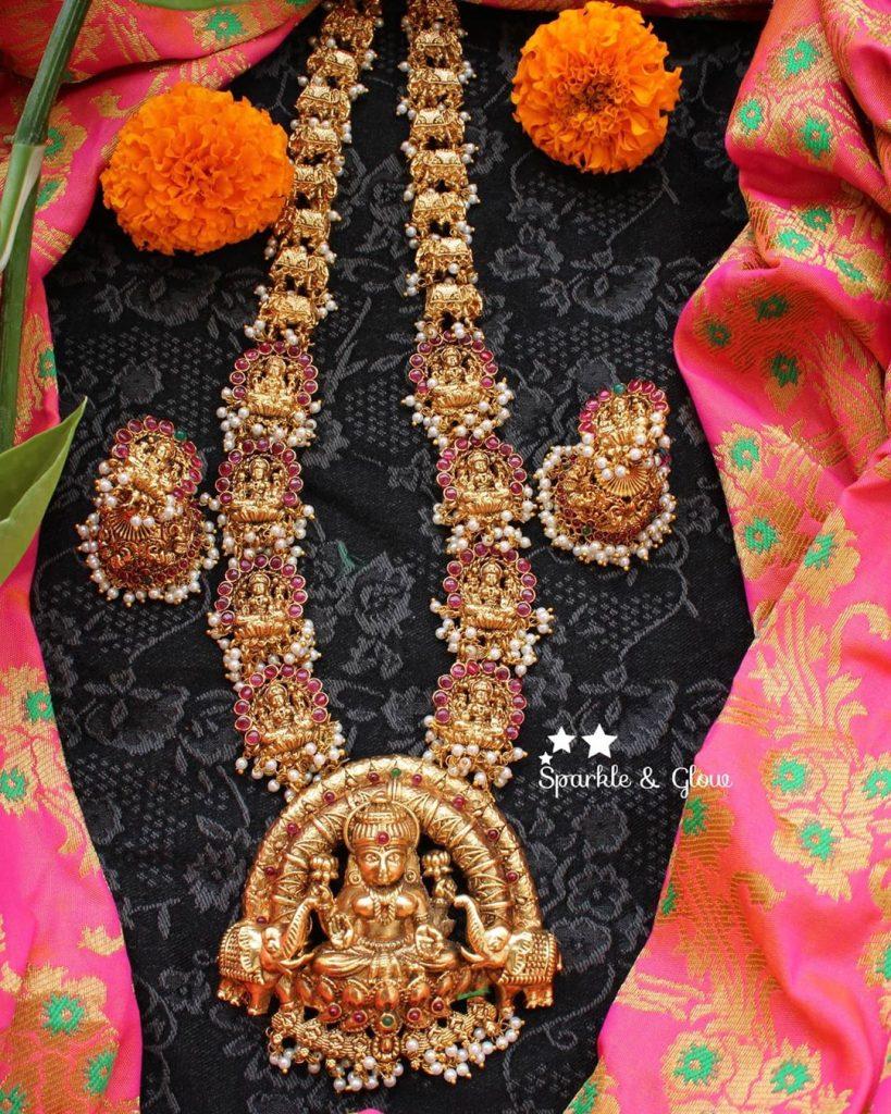 antique-lakshmi-necklace-designs-17
