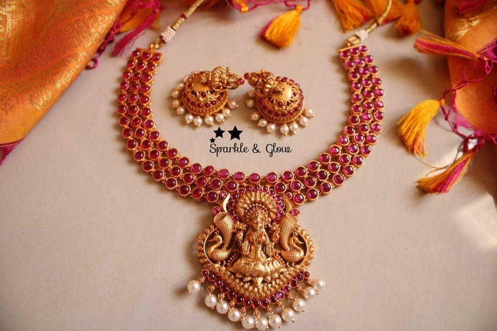 antique-lakshmi-necklace-designs-3