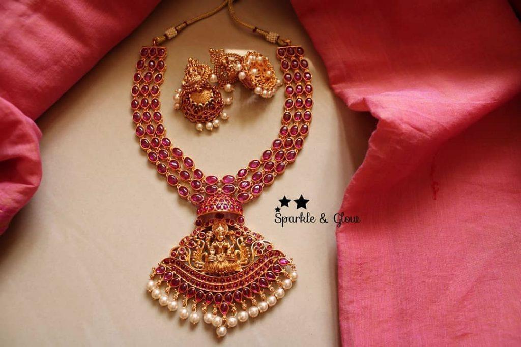 antique-lakshmi-necklace-designs-4