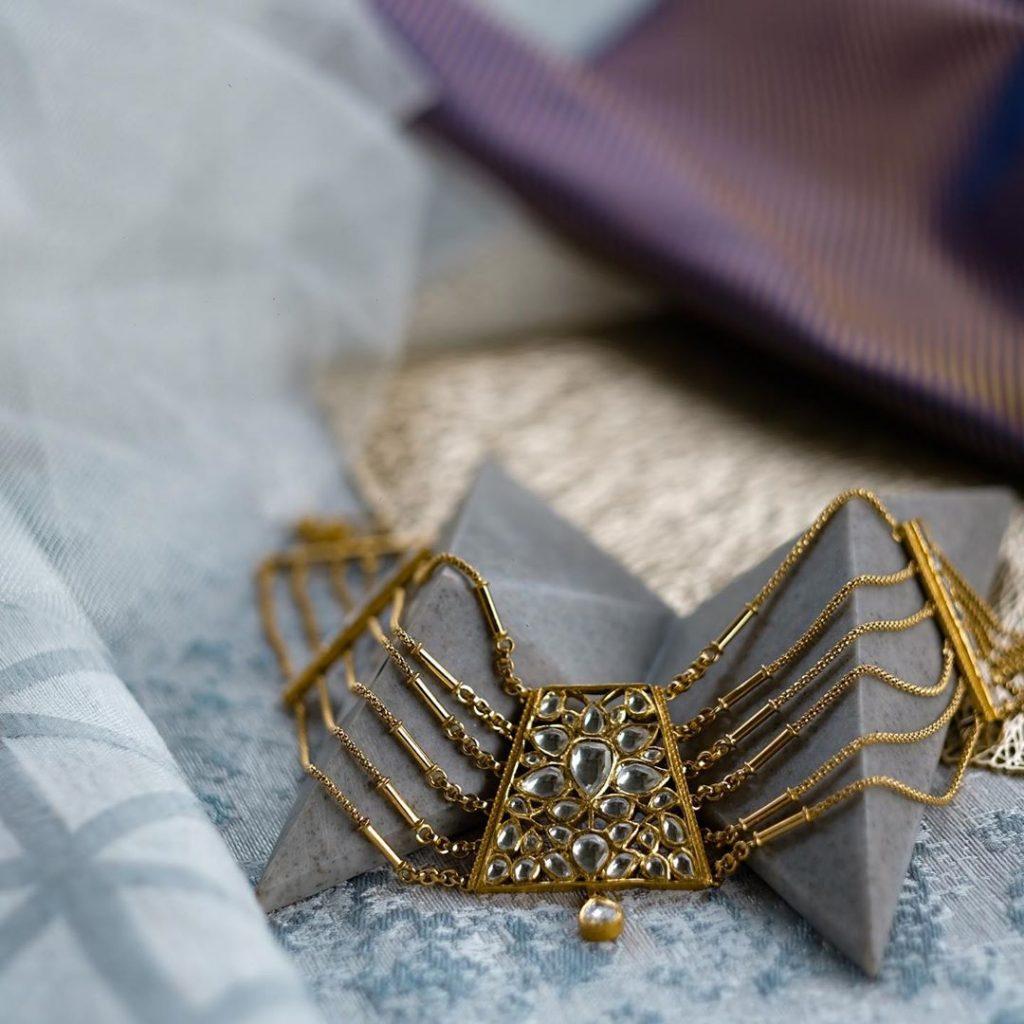contemporary-necklace-designs-10