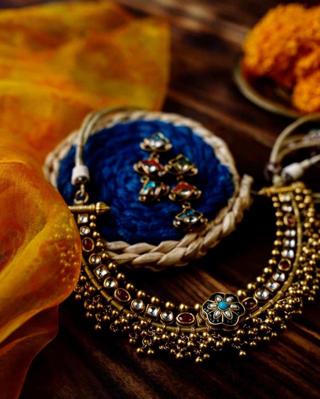 contemporary-necklace-designs-3