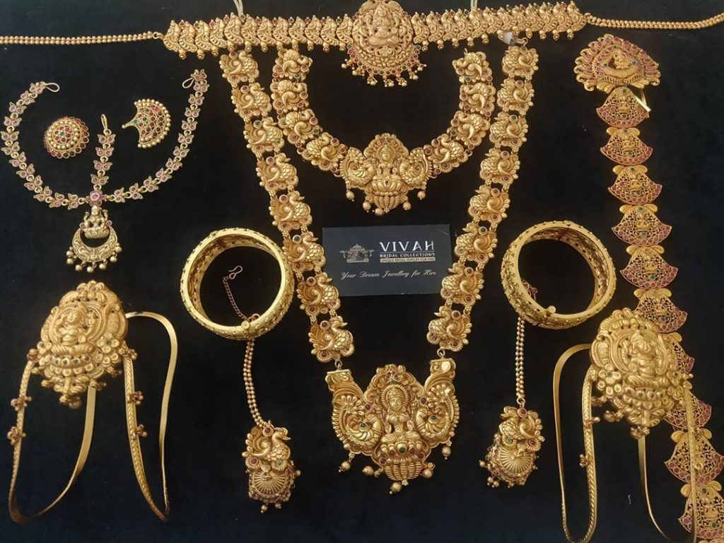 south-indian-bridal-jewellery-set-online-10