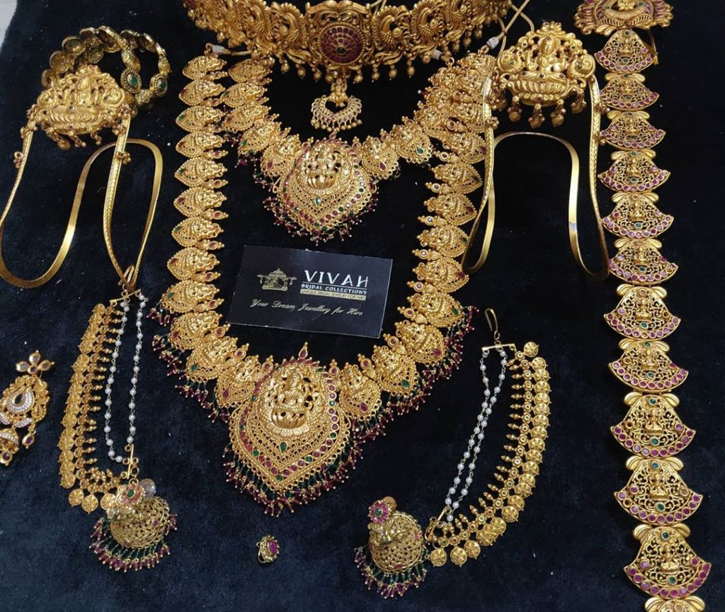 south-indian-bridal-jewellery-set-online-11