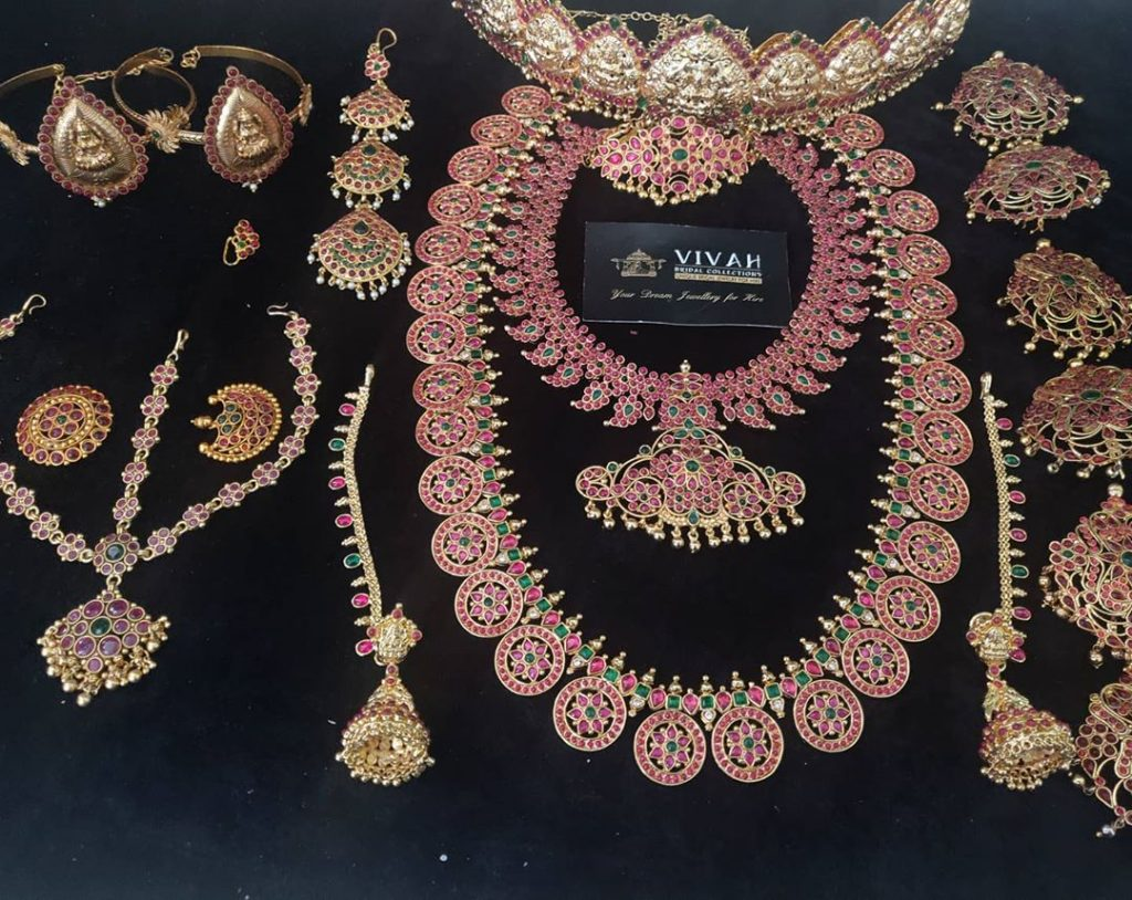 south-indian-bridal-jewellery-set-online-12