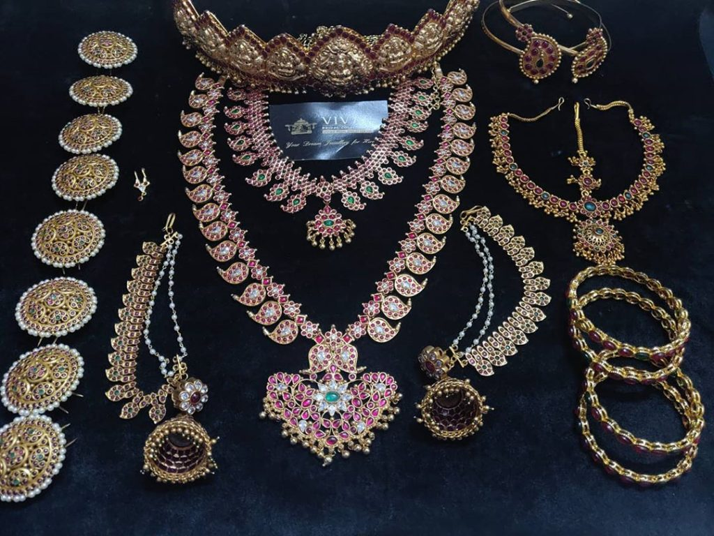 south-indian-bridal-jewellery-set-online-3