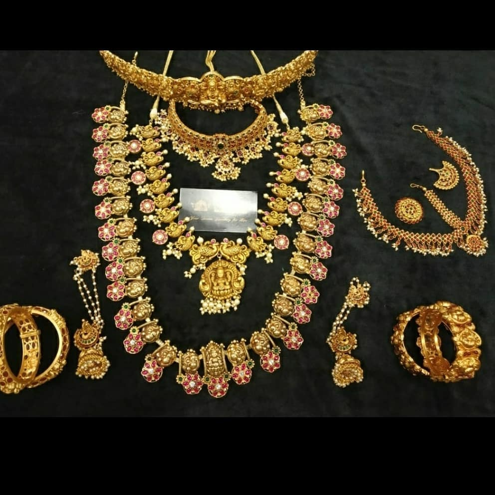 south-indian-bridal-jewellery-set-online-5