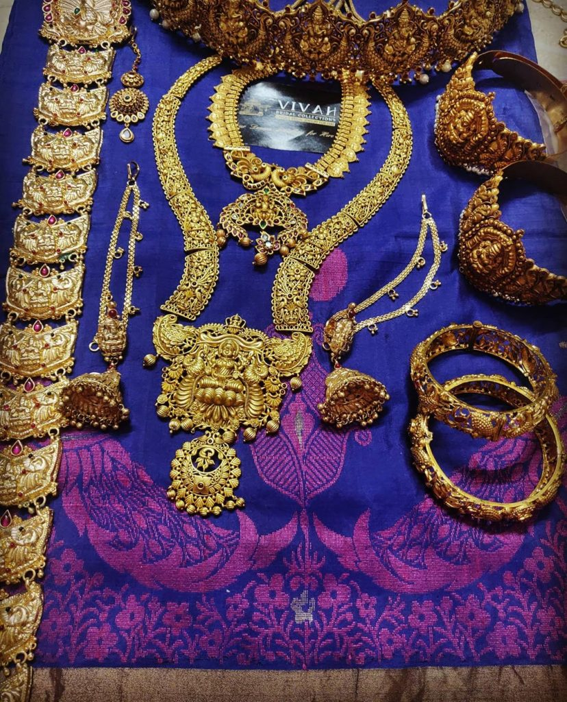 south-indian-bridal-jewellery-set-online-8