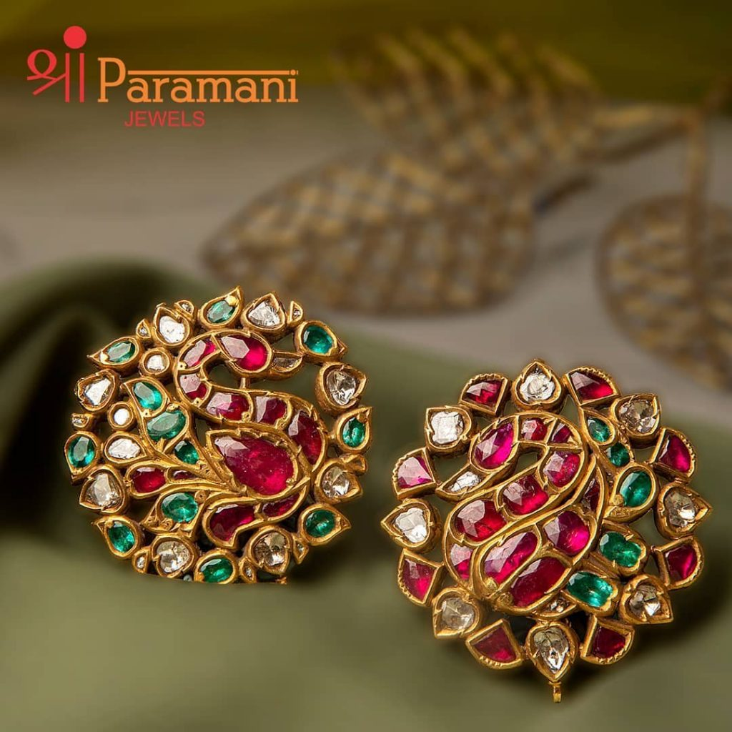 trendy-earrings-for-saree-1