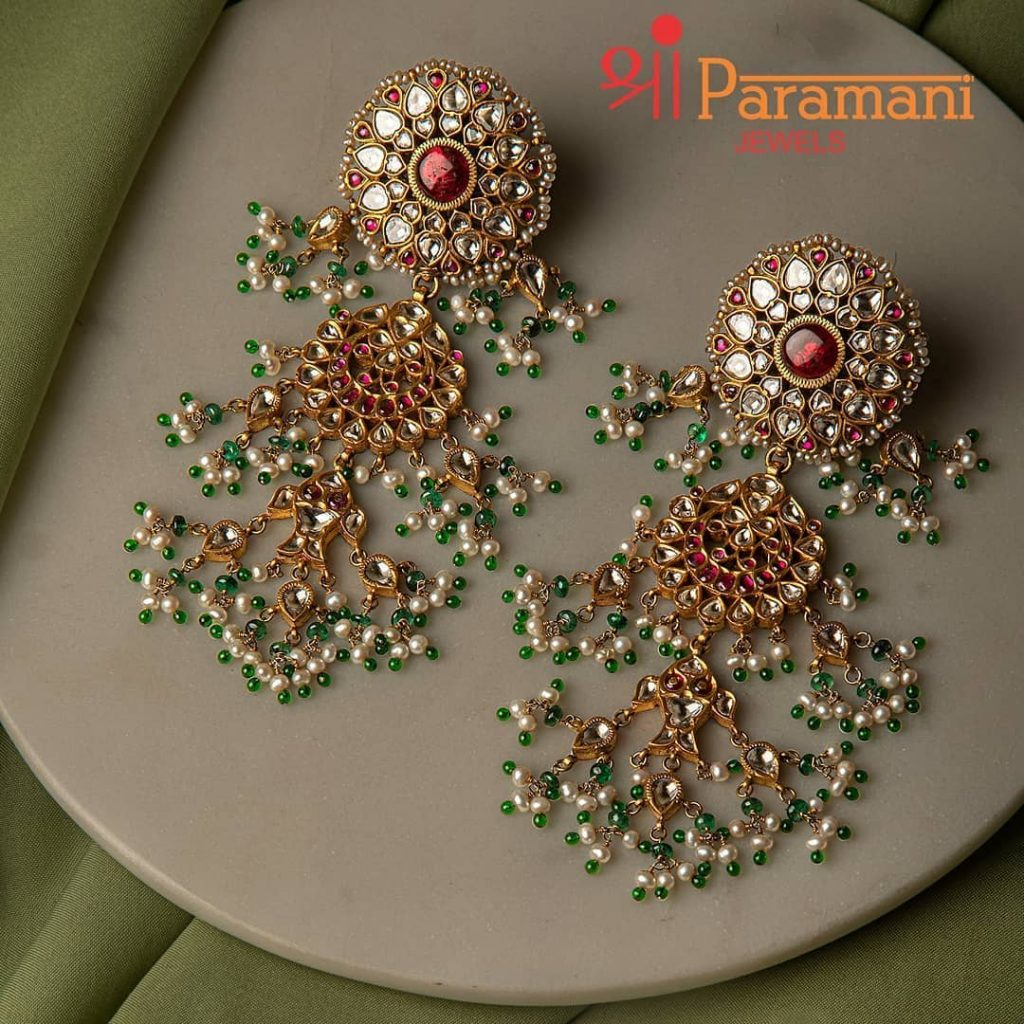 trendy-earrings-for-saree-10