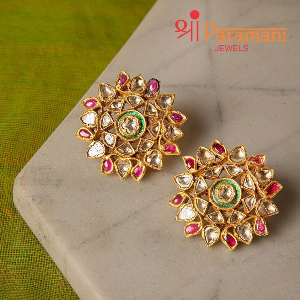 trendy-earrings-for-saree-11