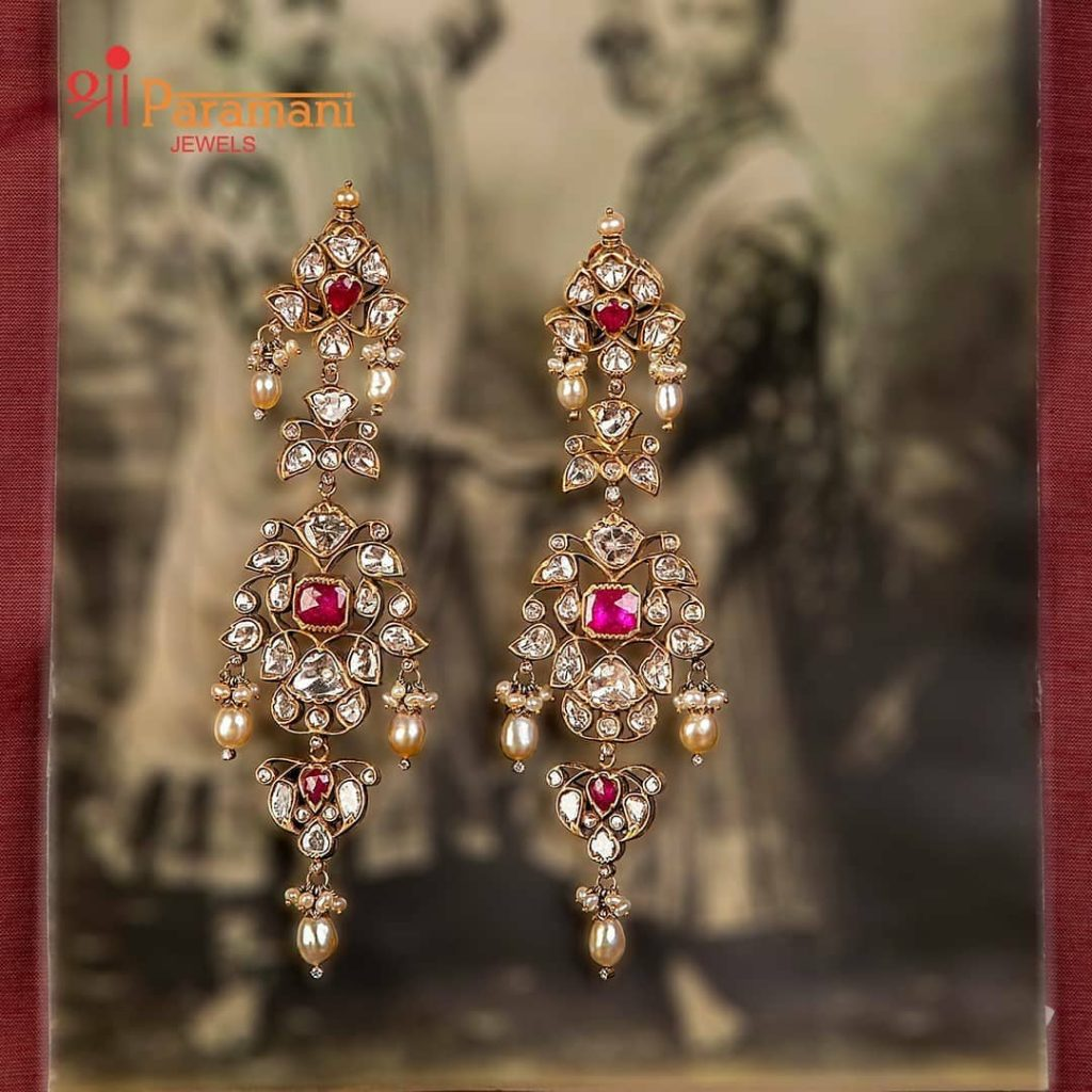trendy-earrings-for-saree-12
