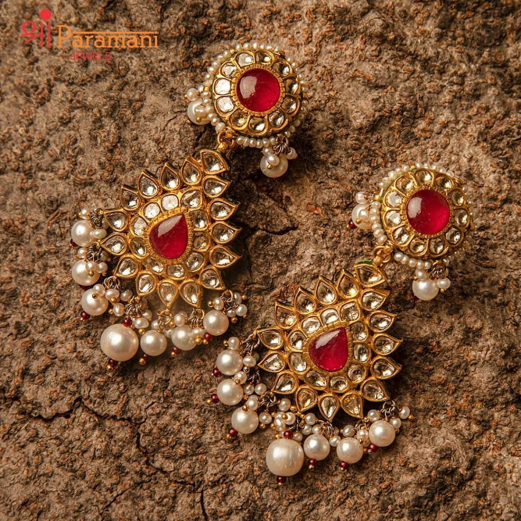 trendy-earrings-for-saree-14