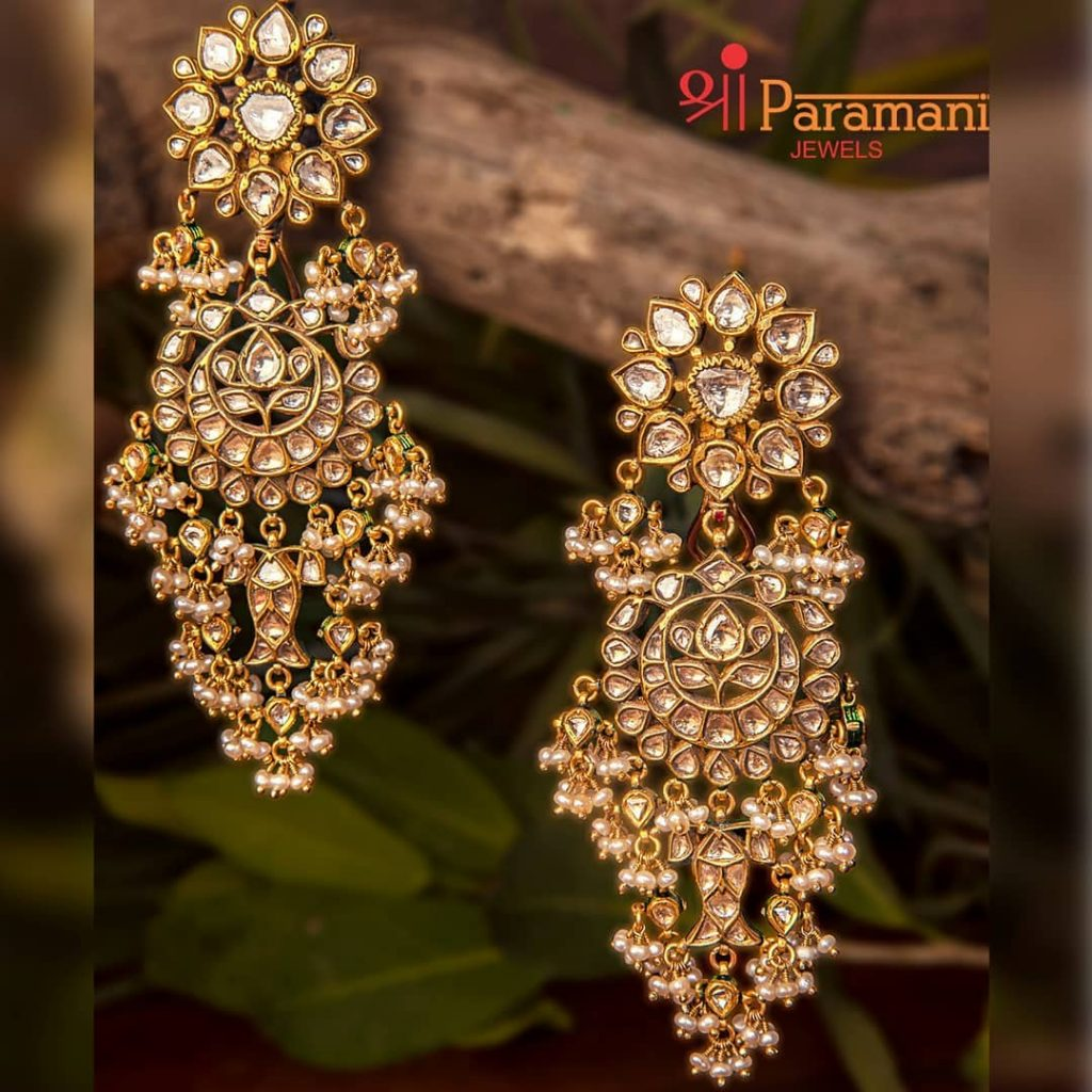 trendy-earrings-for-saree-15
