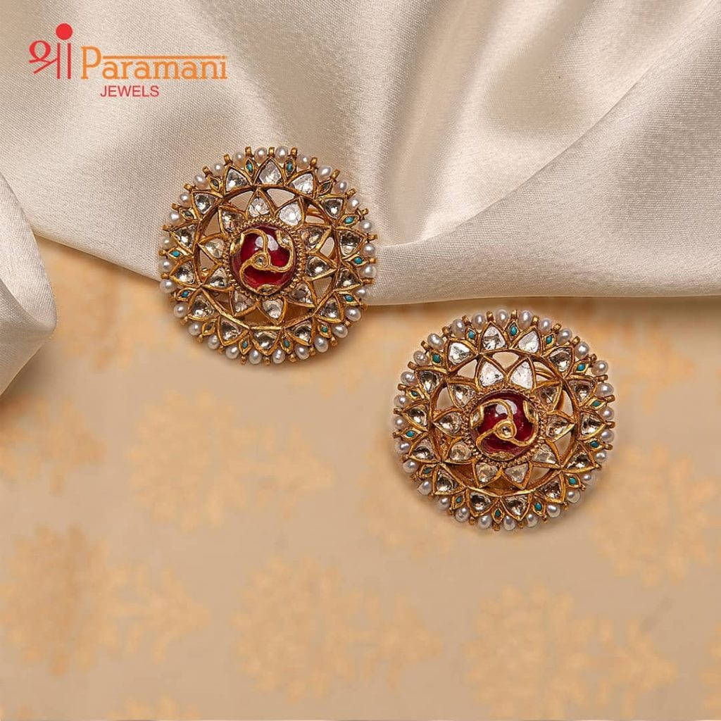 trendy-earrings-for-saree-19