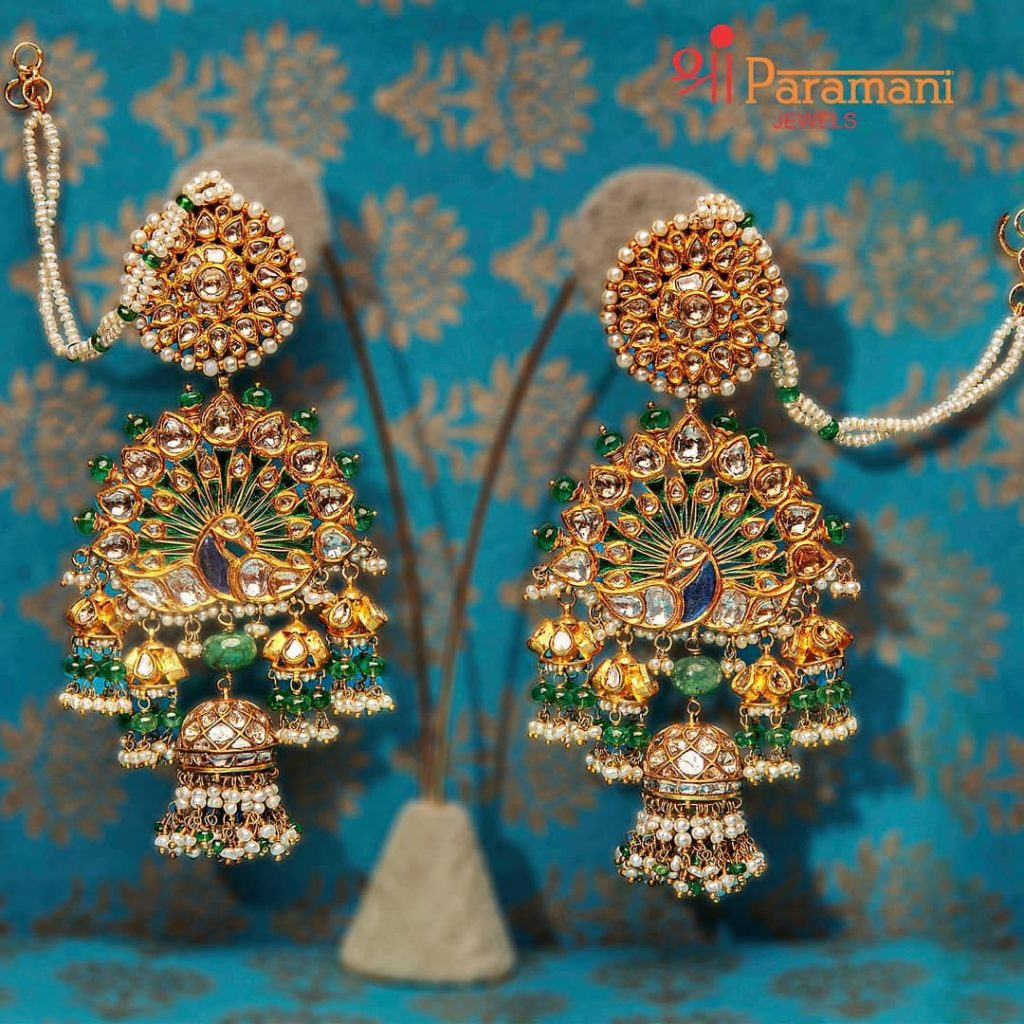 trendy-earrings-for-saree-2