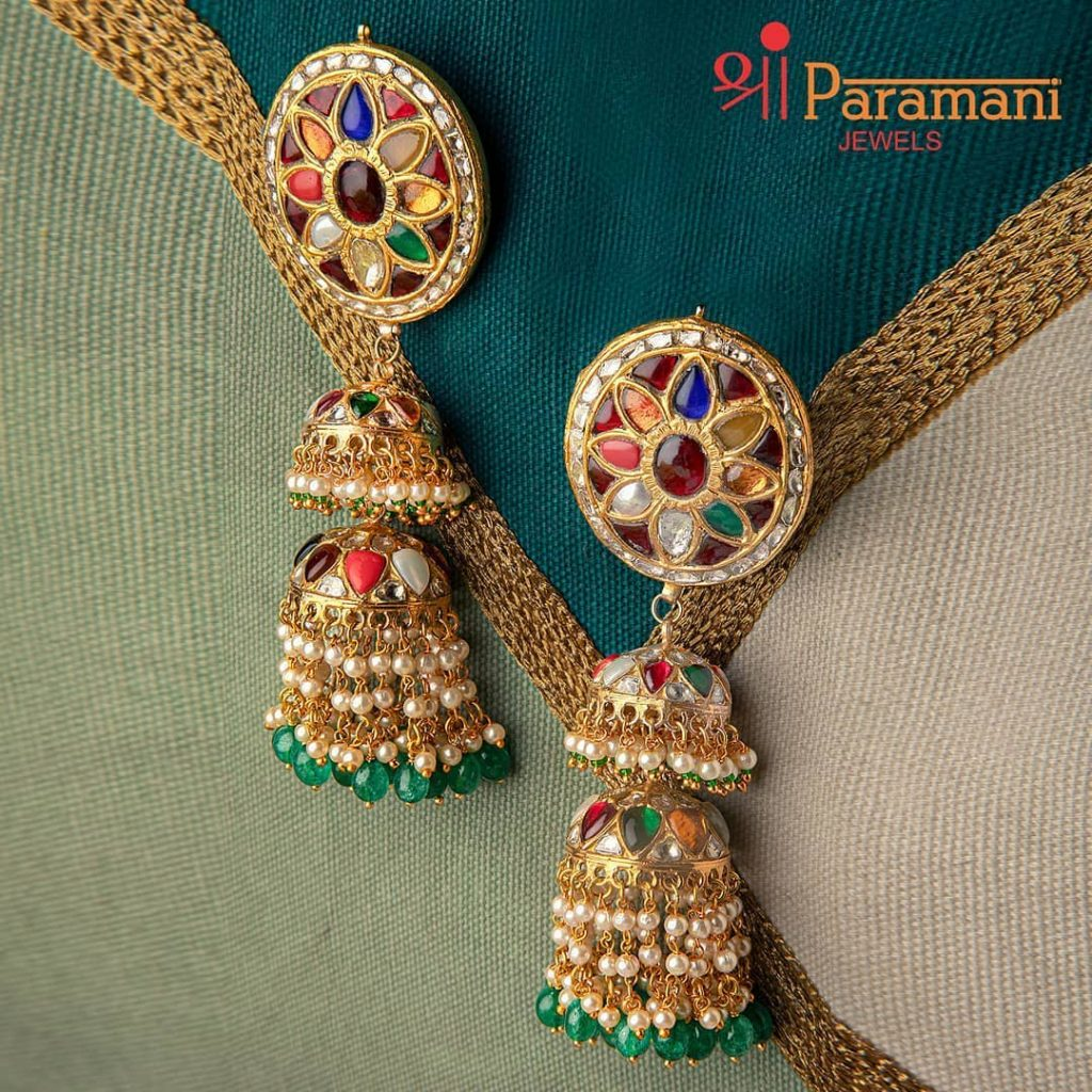 trendy-earrings-for-saree-3