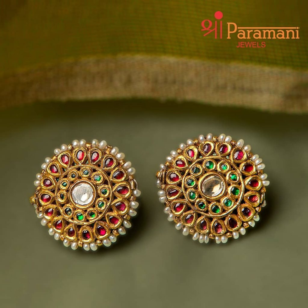 trendy-earrings-for-saree-4