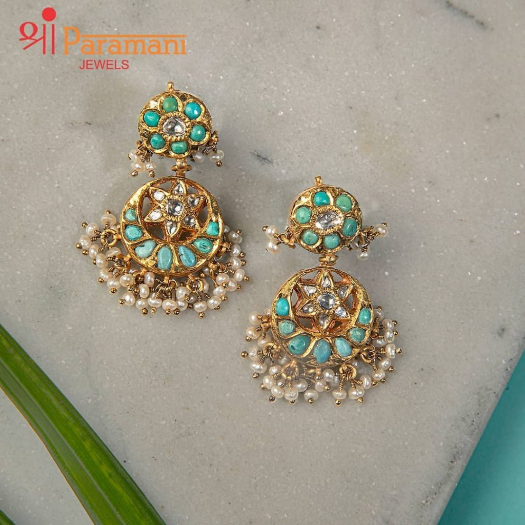 trendy-earrings-for-saree-6