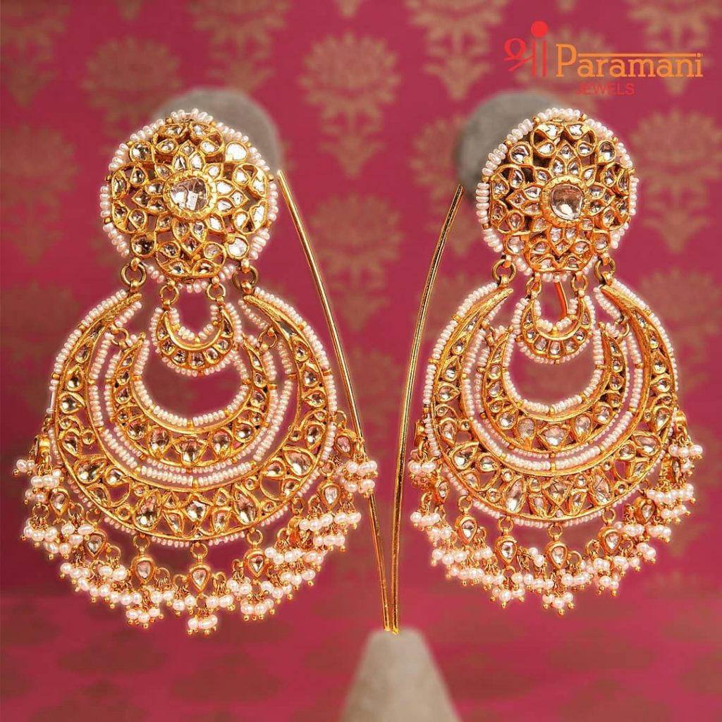 trendy-earrings-for-saree-9