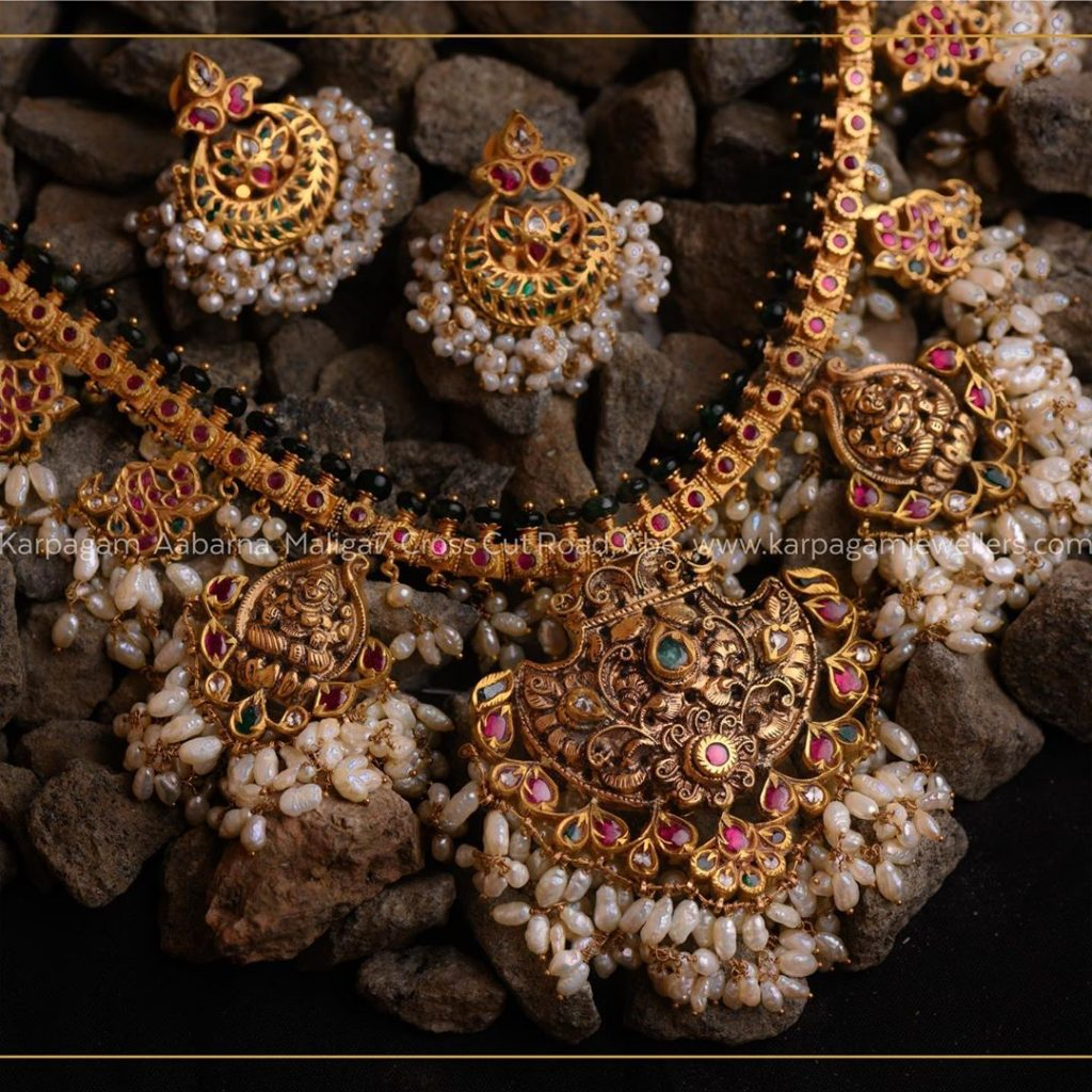 antique-gold-jewellery-design-images-11