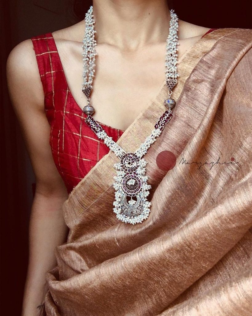 silver-necklace-for-saree-1