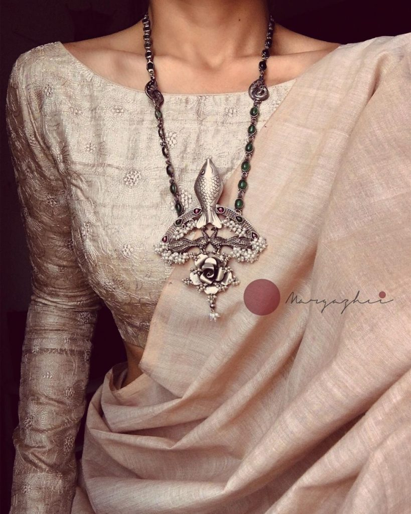 silver-necklace-for-saree