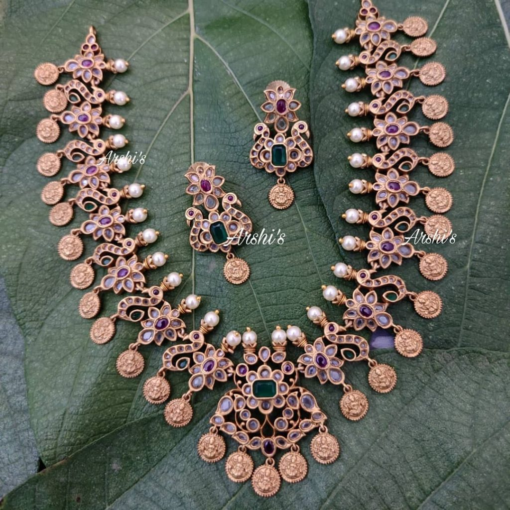 traditional-necklace-designs-11