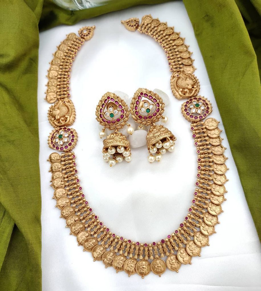 traditional-necklace-designs-16
