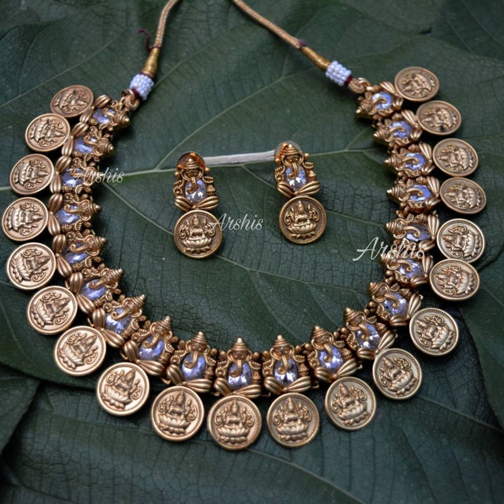 traditional-necklace-designs-17