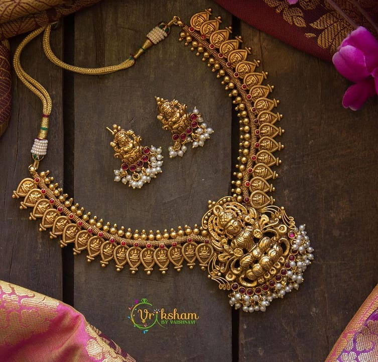 traditional-necklace-designs-7
