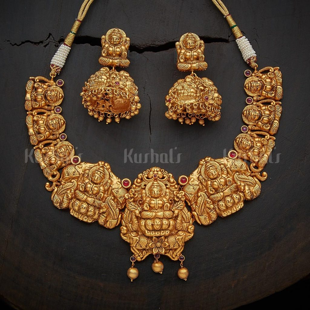 antique-necklace-set-for-saree-9