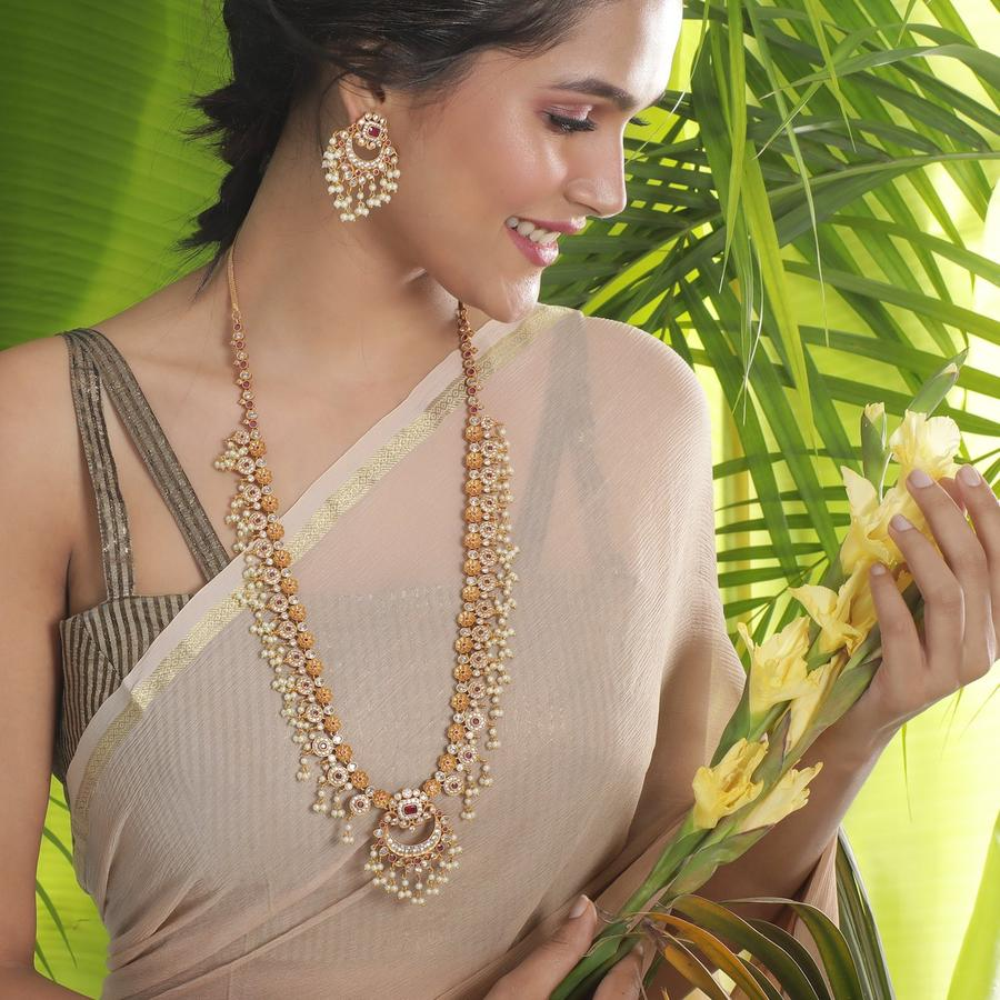 long-necklace-for-saree-6